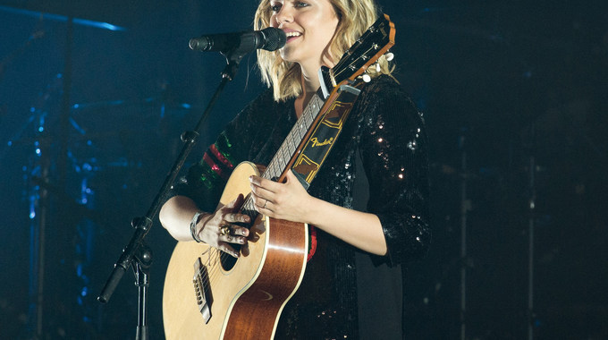 Photo 1 pour LOUANE - LE CONCERT AU CINEMA
