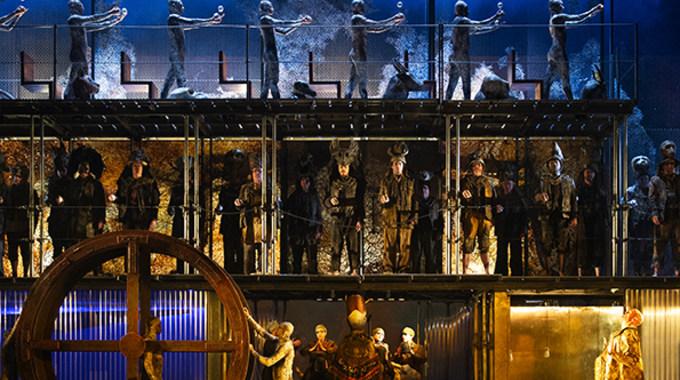 Photo du film Akhnaten (Metropolitan Opera)