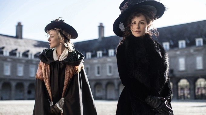 Photo 1 pour Love & Friendship