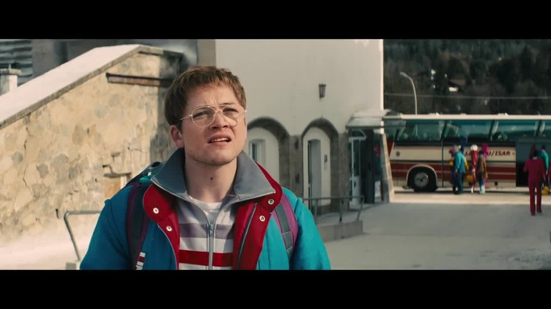 bande annonce 2 vf de eddie the eagle 2016 au qu tigny multiplexe cine cap vert. Black Bedroom Furniture Sets. Home Design Ideas